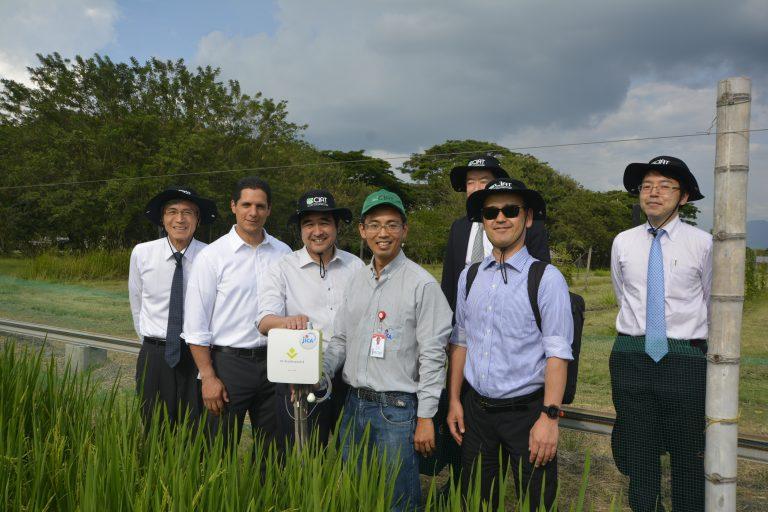 海外の「e-kakashi」導入現場に初の総務省副大臣視察<br> ~日本の先端農業技術がコロンビアの農業IoTプロジェクト促進に貢献~